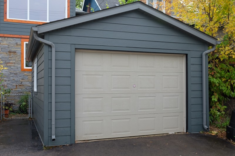 Winnipeg garage builders gallery for 12x7 garage door